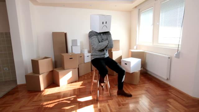 vídeos y material grabado en eventos de stock de sentirse deprimido a veces - hípster urbano