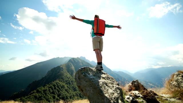 Känsla gratis på bergets topp