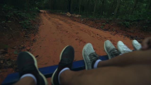 Gevoel van de reiziger op de auto E-Tok uit Thailand, reizen in Thailand, boerderij vrachtwagens van Thailand