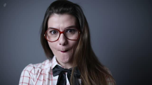 vidéos et rushes de se sentant ridicule aujourd'hui - langue humaine