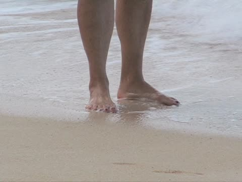 feet in the ocean waves - toe stock videos & royalty-free footage