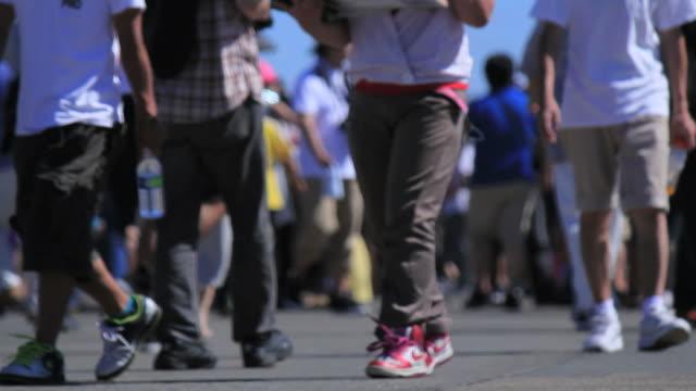 足の群衆のフェスティバル。 - ラッシュ時点の映像素材/bロール