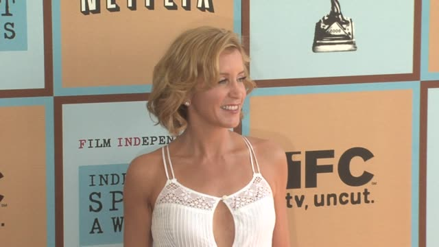 felicity huffman at the the 21st annual ifp independent spirit awards in santa monica california on march 4 2006 - ifp independent spirit awards stock videos and b-roll footage
