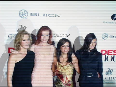 felicity huffman marcia cross eva longoria and teri hatcher at the 'desperate housewives' series premiere party arrivals on october 3 2004 - teri hatcher stock-videos und b-roll-filmmaterial