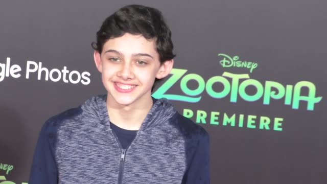vidéos et rushes de felix avitia at the zootopia premiere at el capitan theatre in hollywood at celebrity sightings in los angeles on february 17 2016 in los angeles... - cinéma el capitan