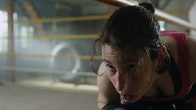 female boxer entering the ring - boxing ring stock videos & royalty-free footage