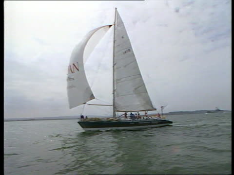vídeos y material grabado en eventos de stock de female crew win 'yachtsman of the year' cup ulm2422 20988 bbc off hamble gv 'maiden' at sea tms duchess of york at helm pull out - equipo de vela