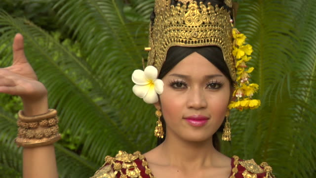 zi cu female dancer in traditional cambodian dress / siem reap, cambodia - gold dress stock videos & royalty-free footage