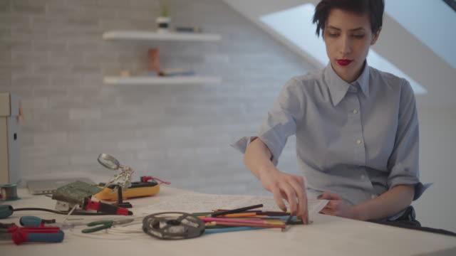 4K: Female Engineer Coloring Book