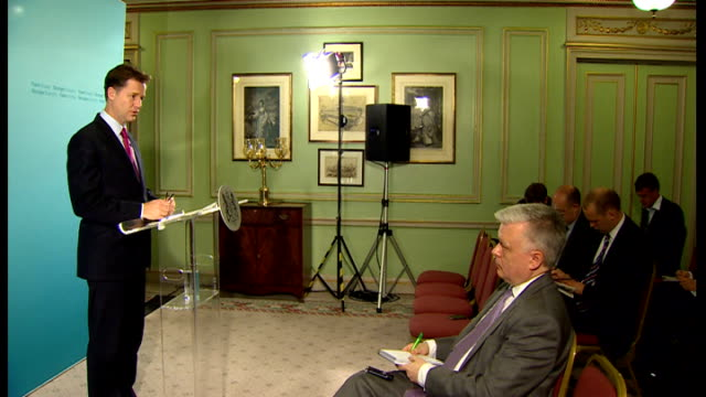 nick clegg interview england london int nick clegg mp arriving and press conference sot on israel gaza conflict / civilian death roll in gaza various... - mutilazioni genitali femminili video stock e b–roll
