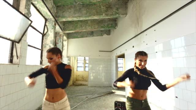 Female hip hop dancers