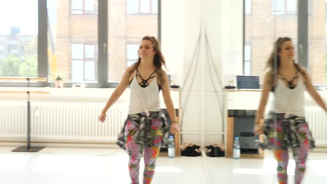 female instructor teaching dance in class - exercise class stock videos & royalty-free footage