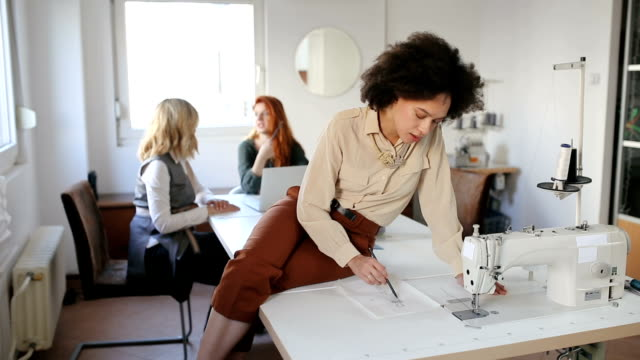 female leaders - studio workplace stock videos & royalty-free footage