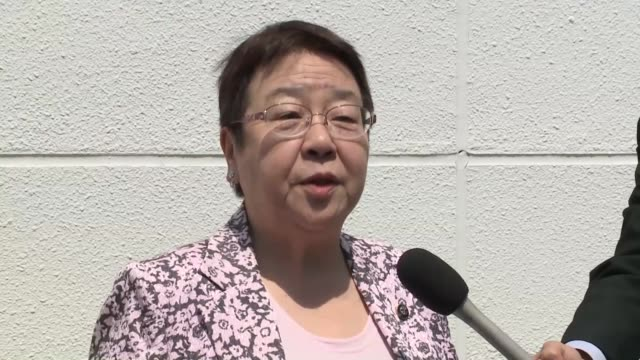 female mayor of a city in western japan visited the japan sumo association on thursday and asked the sport's governing body to reconsider its... - 市区町村長点の映像素材/bロール
