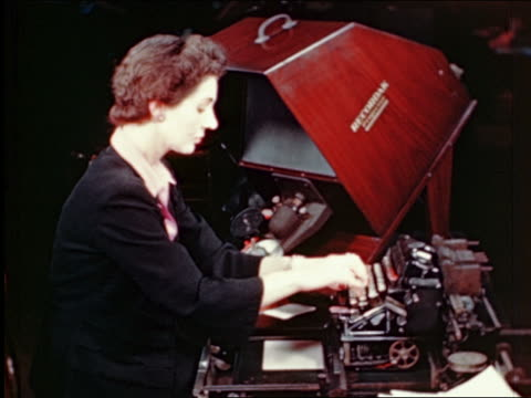 vídeos de stock, filmes e b-roll de 1945 female office worker typing up bill on machine / gimbels / industrial - secretária
