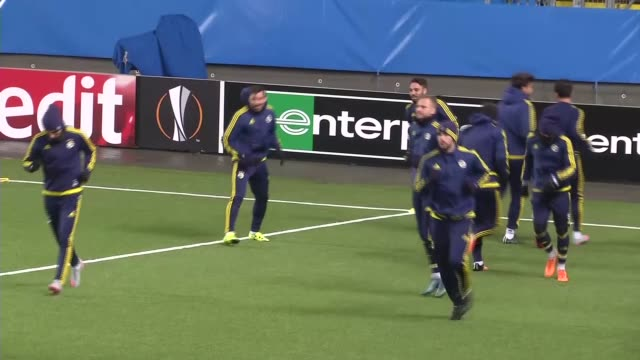 Fenerbahce players practice during a training session at Aker Stadion in Molde Norway on November 25 2015 Fenerbahce will play against Molde in their...