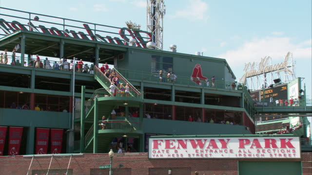 ms fenway park exterior during game / boston, massachusetts, usa - scrittura occidentale video stock e b–roll