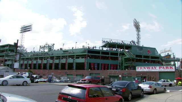 ws fenway park exterior during game / boston, massachusetts, usa - scrittura occidentale video stock e b–roll