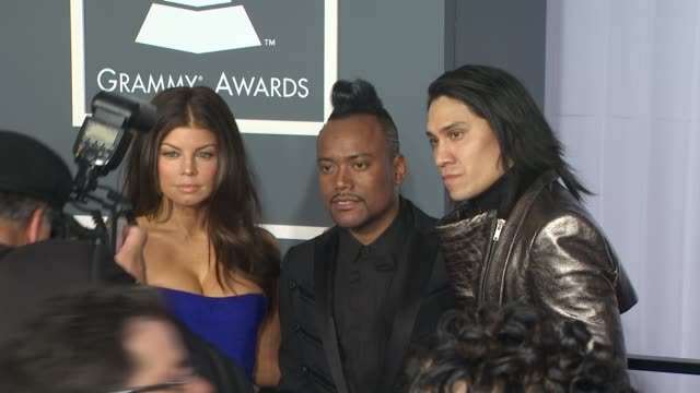 stockvideo's en b-roll-footage met fergie apldeap taboo at the 52nd annual grammy awards arrivals part 2 at los angeles ca - apl.de.ap
