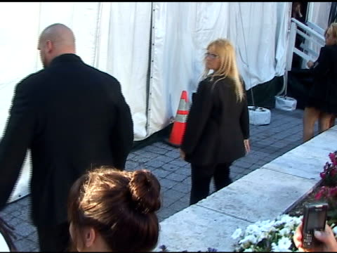 Fergie arrives at the FIFI Awards 01/25/11