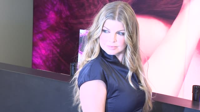 fergie at the fergie reveals viva glam vi special edition lipstick for mac cosmetics at los angeles ca - fergie duhamel stock videos and b-roll footage