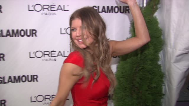 fergie at the glamour magazine honors the 2010 women of the year red carpet at new york ny - fergie duhamel stock videos & royalty-free footage