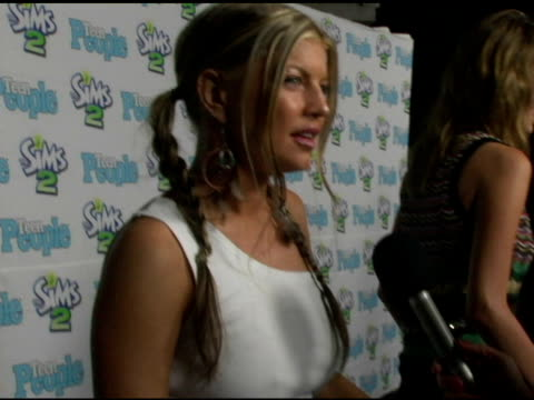fergie of the black eyed peas at the 1st annual teen people 'young hollywood' issue1st annual teen people 'young hollywood' issue at teen people... - the black eyed peas band stock videos and b-roll footage
