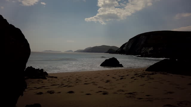 fermoyle strand on a sunny day - horizon over water stock videos & royalty-free footage