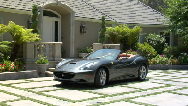 MS Ferrari parked outside house AUDIO / Beverly Hills, California, United States