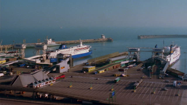 t/l, ha, ws, ferries coming in and out of ferry terminal, day to dusk, dover, england - ferry terminal stock videos & royalty-free footage