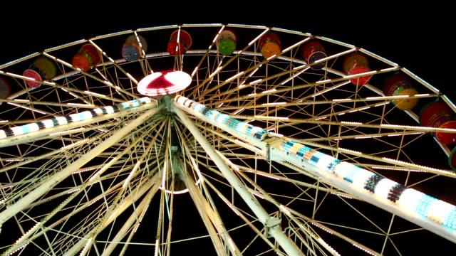 ferris wheel at night - dizzy stock videos & royalty-free footage