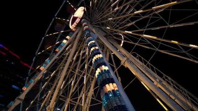 ferris wheel lights at night - big wheel stock videos & royalty-free footage