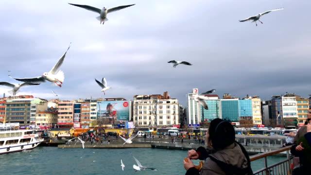 ferry departs kadikoy ferry port in istanbul. - istanbul stock-videos und b-roll-filmmaterial