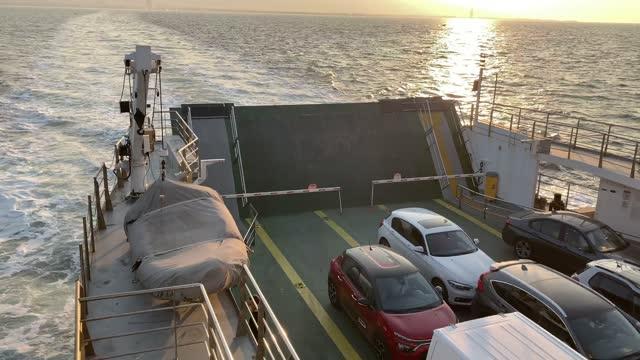 vídeos y material grabado en eventos de stock de ferry en el golfo de egeo - ferry