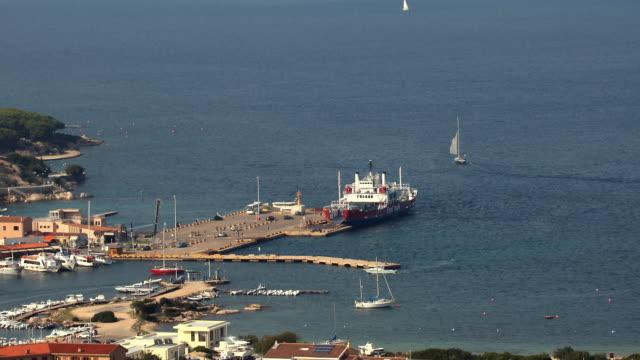 t/l zo ws ha ferry leaving port and moving towards la maddalena / sardinia, italy - sassari stock videos & royalty-free footage