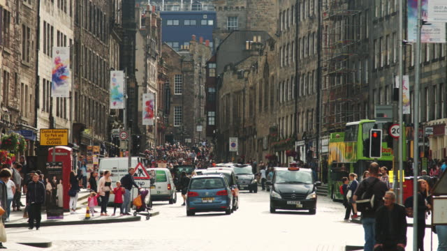 festival crowds in edinburgh - edinburgh scotland stock videos & royalty-free footage