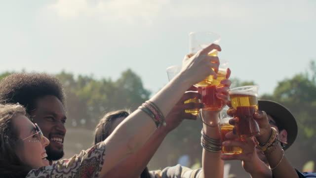 stockvideo's en b-roll-footage met festival footage - festivalganger