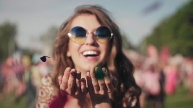 stockvideo's en b-roll-footage met festival footage - vlak naast