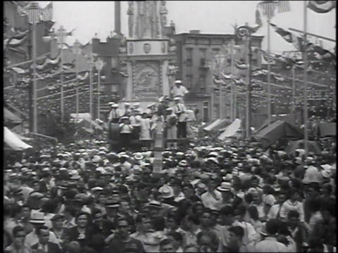 1939 montage festival of st paul held with floats / brooklyn, new york, united states - festivalsflotte bildbanksvideor och videomaterial från bakom kulisserna