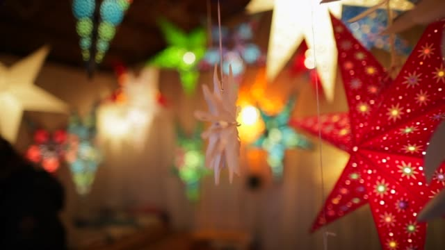 festive christmas market - christmas market stock videos & royalty-free footage