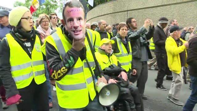 FRA: Yellow Vest protest starts in La Defense near Paris
