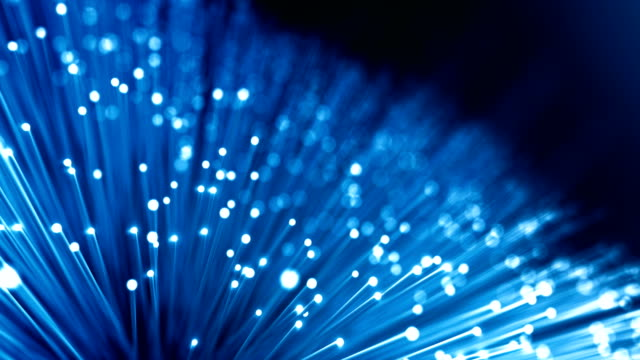 vídeos de stock e filmes b-roll de fiber optic cables - global data transfer background (version 1, dark) - loop - network