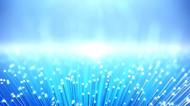 vídeos de stock, filmes e b-roll de fibra óptica - fundo de transferência de dados globais (versão 2, bright) - loop - fibra