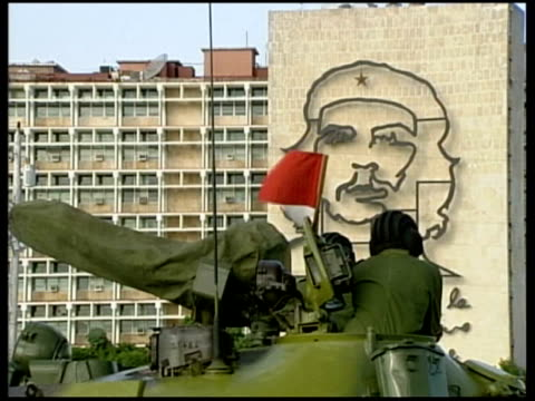 fidel castro's 80th birthday celebrations preparations for revolution day parade in havana good shot of cuban soldier in tank with che guevara image... - che guevara stock videos & royalty-free footage