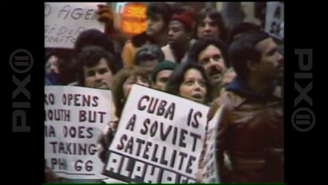 vidéos et rushes de fidel castro's visit to new york where he addressed the united nations general assembly on october 12th 1979 in new york new york - 1979
