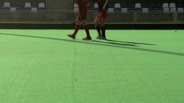 stockvideo's en b-roll-footage met field hockey players - spelkandidaat