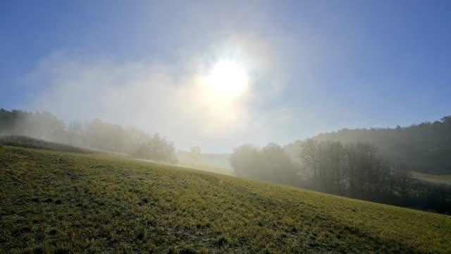 vidéos et rushes de field landscape on a winter morning with sun - prairie
