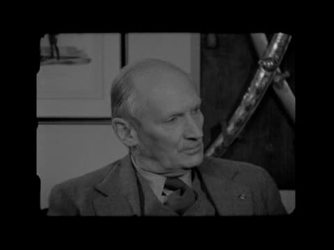 stockvideo's en b-roll-footage met field marshal montgomery retires; england: hampshire: field marshal bernard montgomery interview sof q: should british troops remain in europe... - 50 seconds or greater