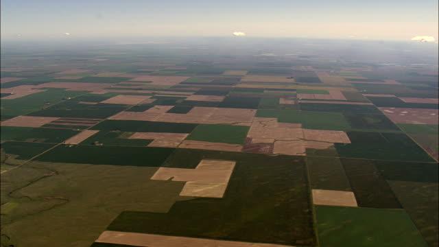 bereich muster-luftaufnahme-montana, sheridan county, vereinigte staaten - wide stock-videos und b-roll-filmmaterial