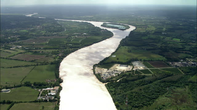 aerial, fields and garonne river near bordeaux, aquitaine, france - aquitaine stock-videos und b-roll-filmmaterial